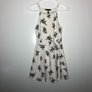 Forever 21 Black & White Floral Fit & Flare Dress